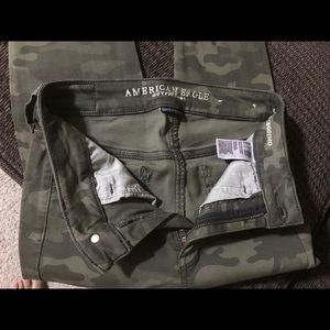 American Eagle army print super stretch jeans